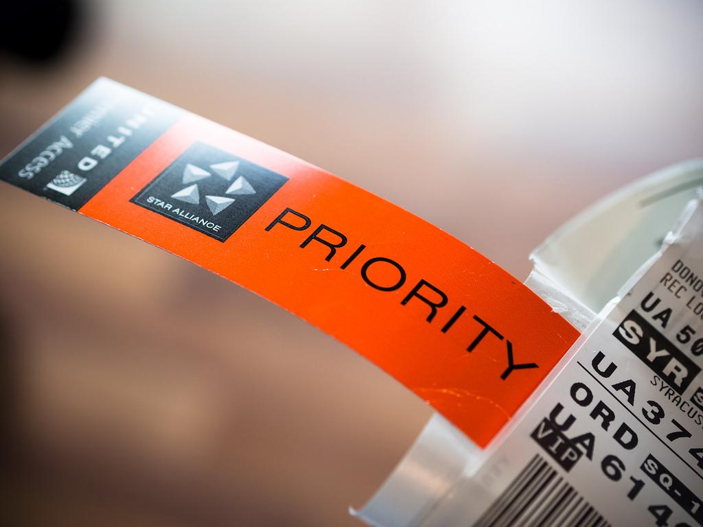 Etiqueta de prioridad en equipaje