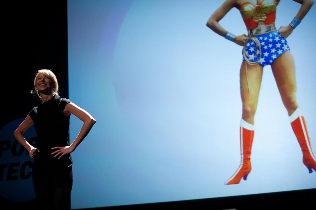 El efecto Wonder Woman: usa tu cuerpo para afrontar mejor tus presentaciones